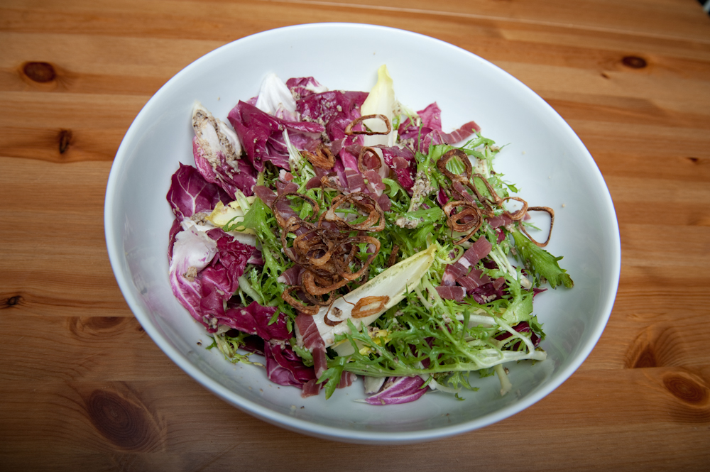 ... ://www.simplyrecipes.com/recipes/fennel_radicchio_and_endive_salad